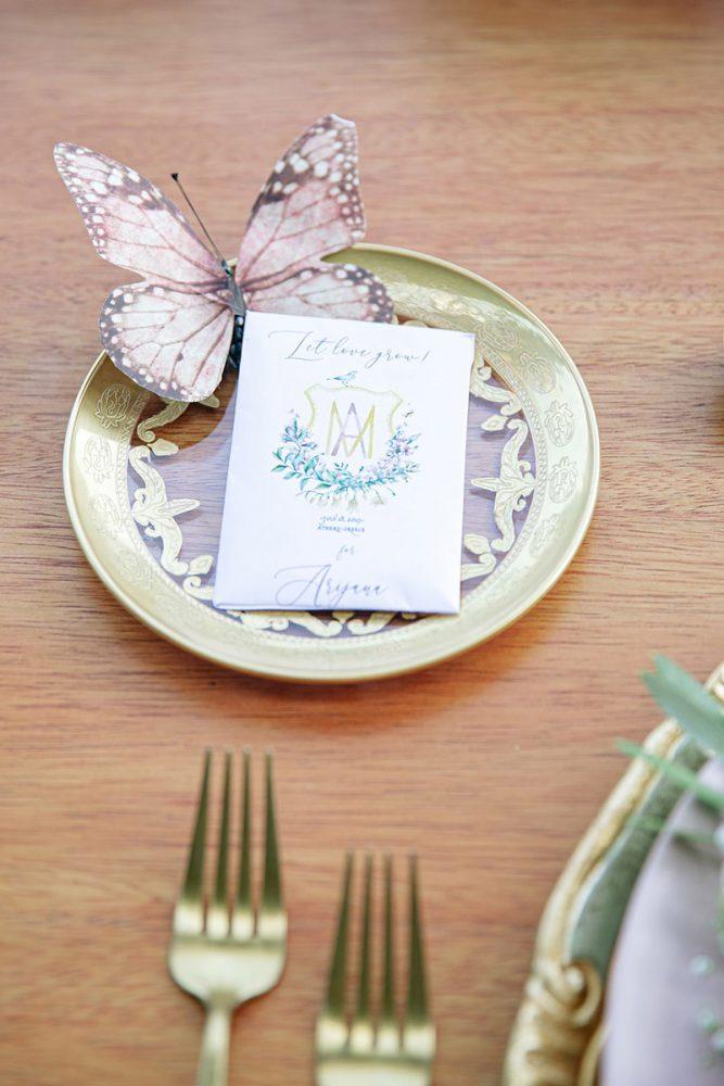 Wedding invitations greece – prosklitiria gamou – prosklisis gamou – fairytale pastels wedding - name cards with flowers and couple's logo